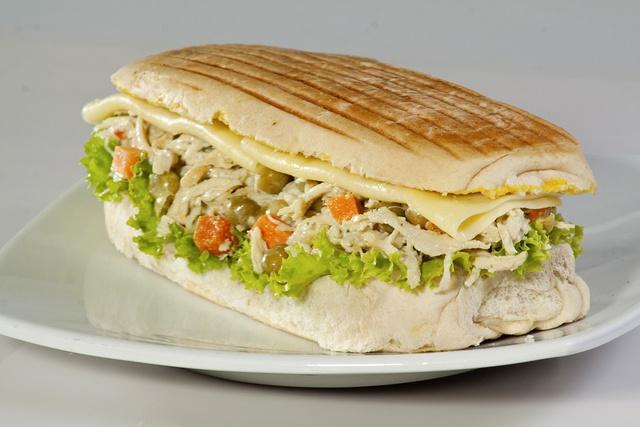 b8-Sandwich-de-Pollo