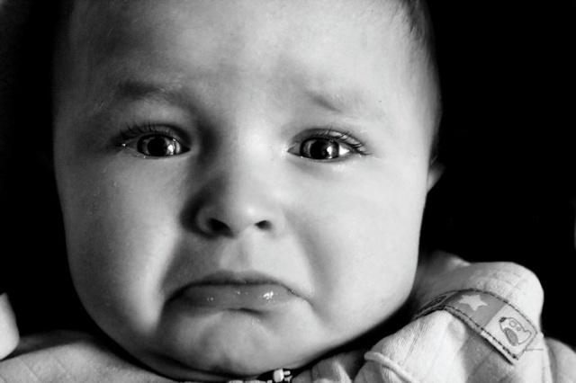 et8-bebe_cries