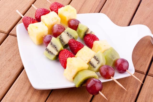 b10-pinchos_fruta