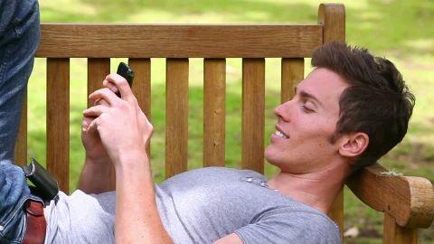 760171784-sms-banco-mueble-de-pelo-negro-telefono-portatil-celular