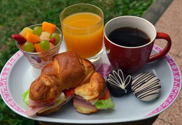 b8-desayuno